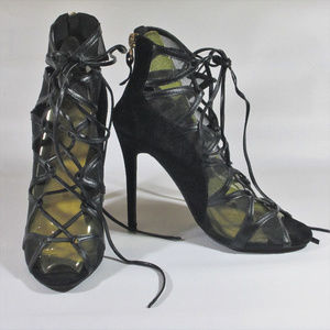 Womans Size 5 High Heels